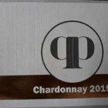 Vínne etikety s horúcou razbou a 3D lakom
